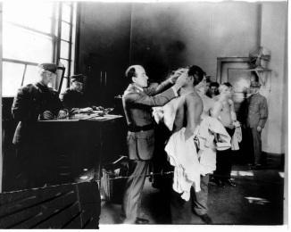 Ellis Island screening 72abfd18e6c4fd1c4d32de9505eb8d0f